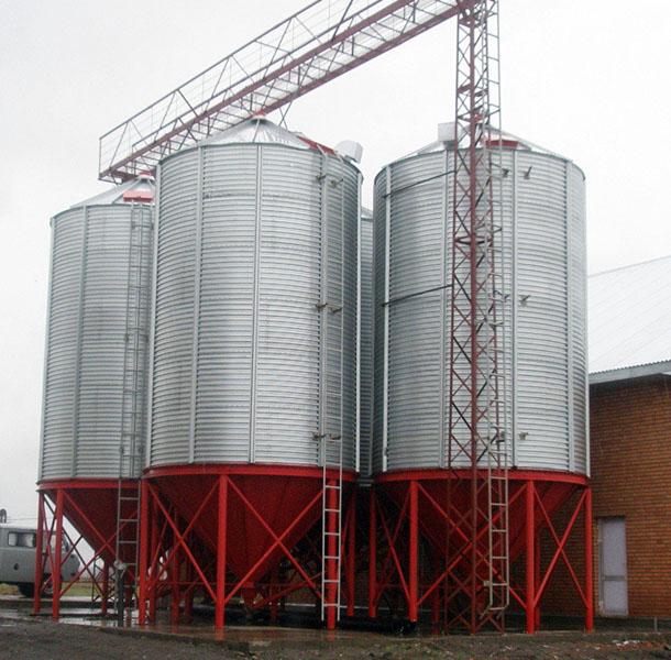 Круглые силосы для хранения зерна